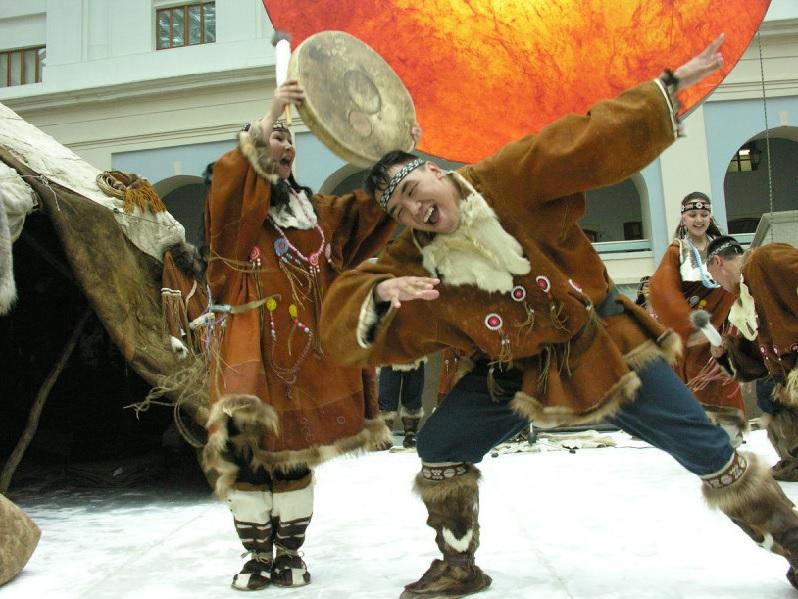 Национальный танцы на новый год